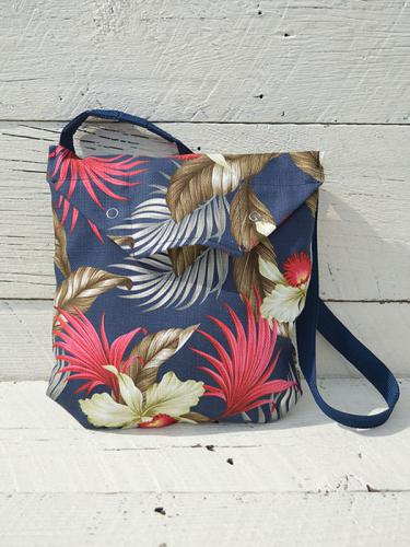 Shoulder Pouch (Hawaiian Floral Java Cloth)
