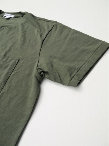 Crossover Neck Pocket Tee (Olive)